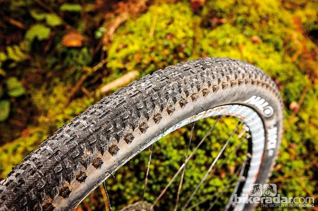 Halo H Block SLR Tyre