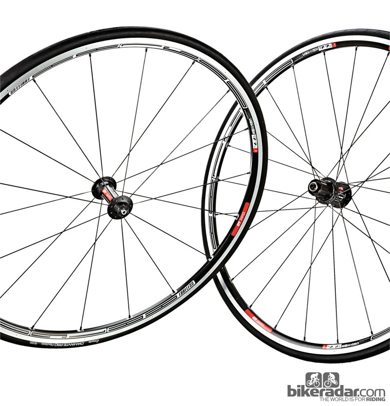 DT Swiss RR1600 tubeless wheelset