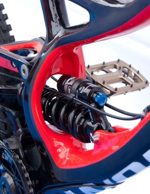 A Fox DHX RC4 shock sits inside the massive, sculpted seat tube