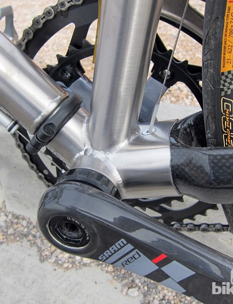 Ritchey use a big box-section, wishbone-style chain stay setup for the Break-Away Road Ti/Carbon frame