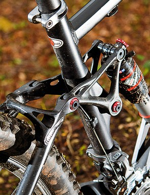 Matching 130mm travel at the rear gives a slighty smoother ride than on a 26in-wheeled machine