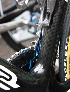 Bradley Wiggins' (Team Sky) Pinarello Dogma 2 is fitted with a Token chain catcher