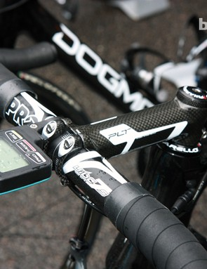 Team Sky captain Bradley Wiggins goes with a carbon-wrapped stem and aluminum bar from team sponsor PRO