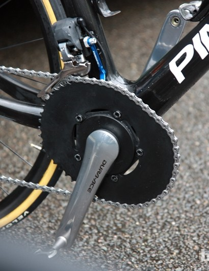 Bradley Wiggins (Team Sky) has long favored O.symetric's radically shaped chainrings. Team mechanics black out the logos to minimize the conflict with sponsor Shimano
