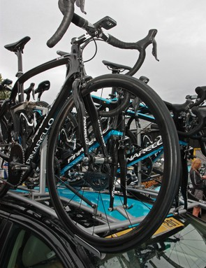 While the rest of the Sky team rolls on sponsor-correct Shimano wheels, team leader Bradley Wiggins also had two bikes fitted with custom wheelsets built around Chris King and Tune hubs