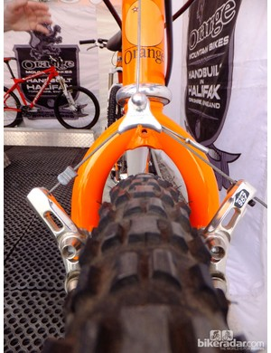 Also on the Orange stand was an original Clockwork in incredible condition. Just check out the spec: 1.5in Specialized Hardpack tyres, Shimano Shark Fin and Dia Compe 987 cantilever brakes with SS7 brake levers
