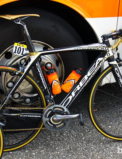 Samuel Sanchez's (Euskaltel-Euskadi) Olympic-themed Orbea Orca, decked out in lightweight wheels and lower gearing in preparation for Stage 6's hilly parcours