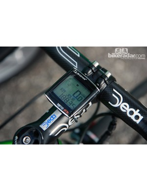 Interestingly, Thomas Voeckler (Europcar) prefers a basic, wired computer on his Colnago C59 Italia