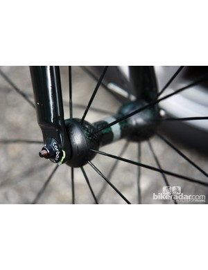The Campagnolo wheels are secured in the frame with Carbon-Ti skewers on Thomas Voeckler's (Europcar) Colnago C59 Italia
