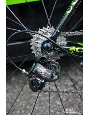 Thomas Voeckler (Europcar) surely has the option for an electronic transmission but Campagnolo's standard Super Record 11 drivetrain is fitted here