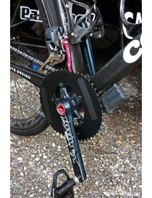 O.symetric chainrings with blacked-out logos and Rotor 3D+ crankarms mounted on David Millar's (Garmin-Barracuda) Cervélo R5