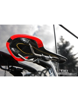 A carbon-shelled fi'zi:k Antares saddle for Garmin-Barracuda rider David Millar