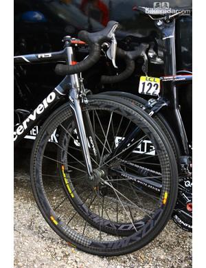 Lightweight Mavic Cosmic Carbone wheels were fitted to David Millar's (Garmin-Barracuda) Cervélo R5 at the start of Stage 6