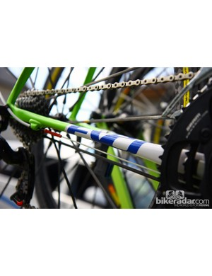 Cannondale flattens the center section of the chain stays on Vincenzo Nibali's (Liquigas-Cannondale) Super Six Evo to help promote vertical flex in the rear end