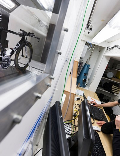 Mavic claim to have logged eight separate sessions in the Geneva, Switzerland wind tunnel to fine tune the Cosmic CXR 80, totalling over 400 hours and more than 160 different test configurations