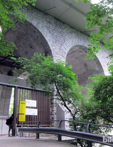 The Geneva wind tunnel occupies a unique setting beneath a bridge that spans the Rhone River