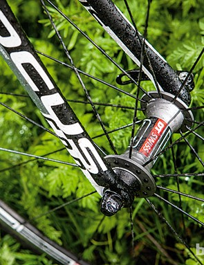 The DT Swiss R1850 wheels spin smoothly on easy-to-service hubs