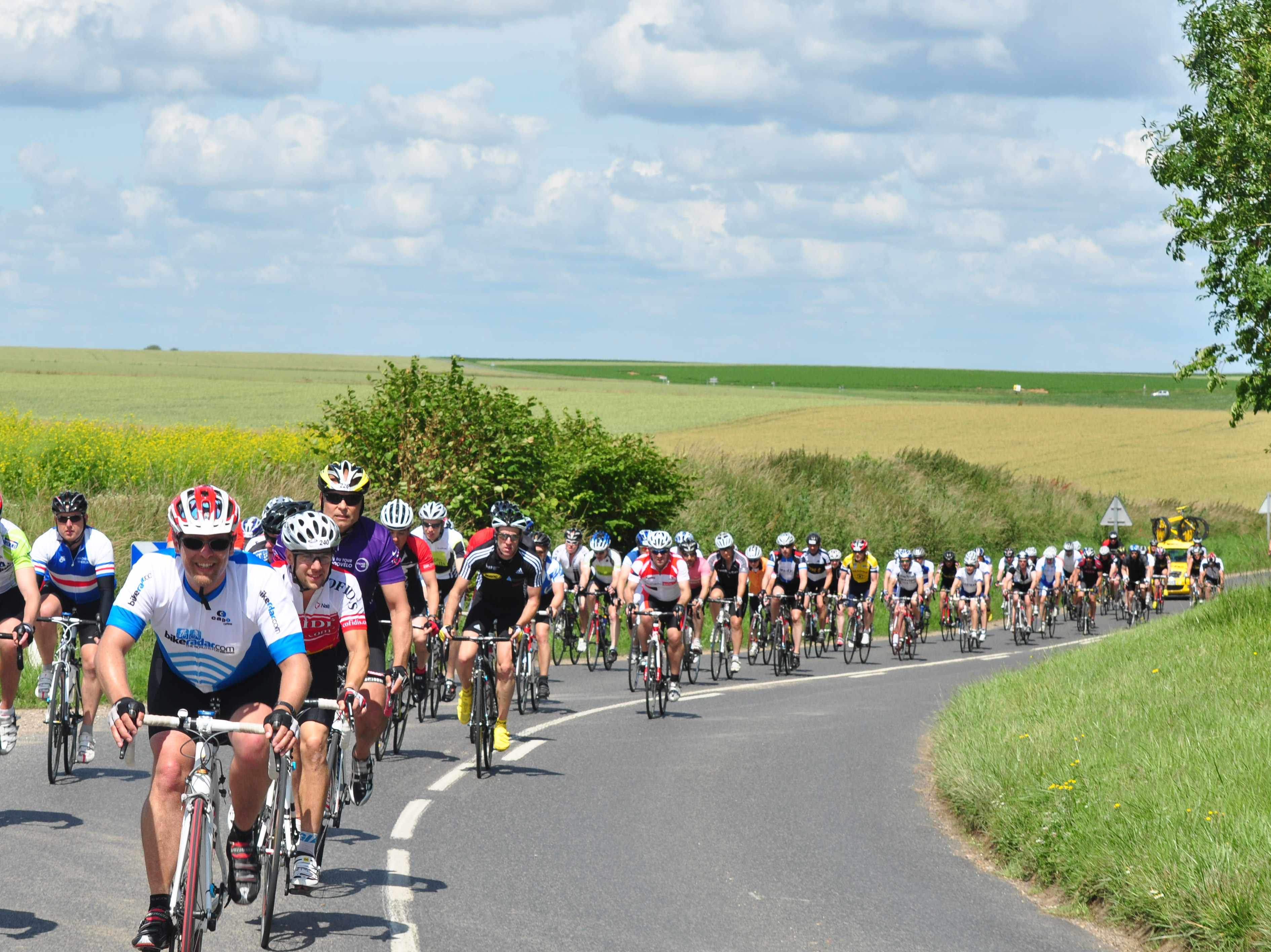 The 2011 London-Paris snakes its way through Northern France