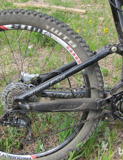 Specialized use their M5 aluminum alloy for the rear stays – the Enduro uses the FSR four-bar suspension design