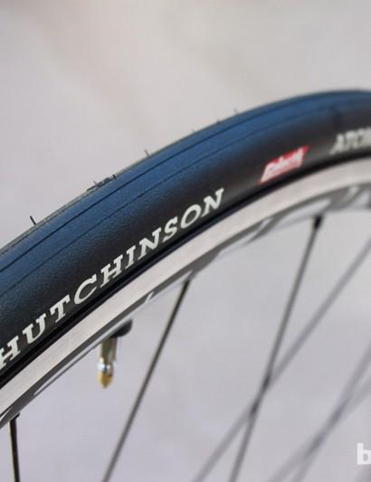 Hutchinson's Galactik superlight, super efficient, Road Tubeless tire