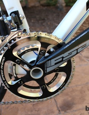 A compact FSA crank rounds out the Shimano Ultegra Liz bike