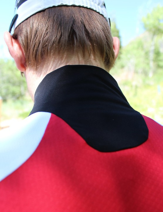 The deep neck cut allows for flexibility in the riding position without uncomfortable bunching