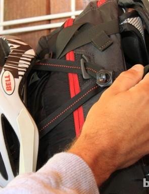 Slick helmet attachment clips