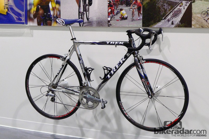 86cf16250a0 Trek had originally intended for Armstrong to use their new Madone in 2003  but the