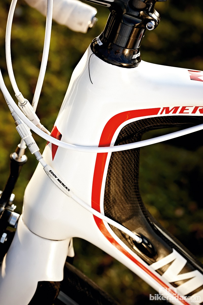 The tapered head tube enhances the rigidity of the frame upfront