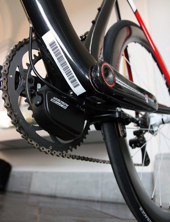 Trek mounts the batteries of Shimano or Campagnolo electronic groups underneath the bottom bracket on the new Madone 7-Series
