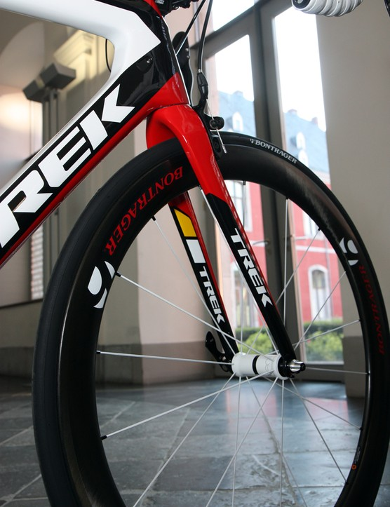 The new Trek Madone 7-Series fork borrows from the Domane's design with more forward-swept legs than usual and slightly rearward-facing dropouts to retain a standard rake