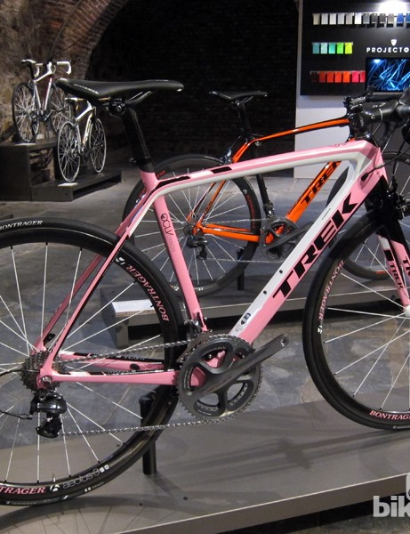 Among the options offered on the new Trek Madone 7-Series through Project One is this bright pink scheme