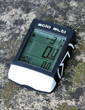 With data fields such as current and average gradient, the PRO Scio Alti displays data rarely found on cycle computers