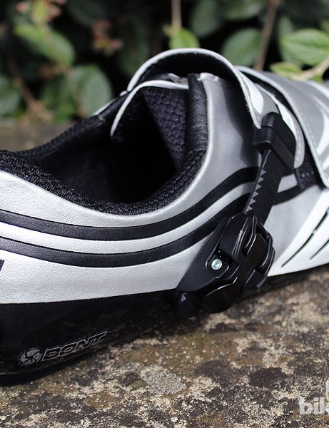 Three Velcro straps and a ratchet on the Bont a-three