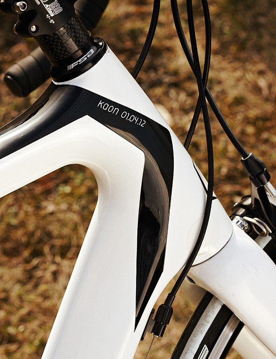 The Kaon has the increasingly common 1 1/8 to 1 1/4in head tube
