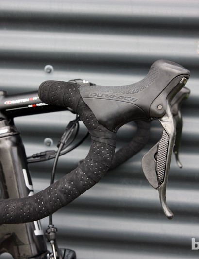 George Hincapie (BMC) prefers an anatomic-bend handlebar on his special edition BMC TeamMachine SLR01, fitted with a Shimano Dura-Ace Di2 electronic group