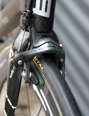 Carbon-specific pads are fitted in the Shimano Dura-Ace dual-pivot brake calipers