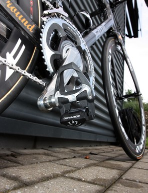 Brand-new Shimano Dura-Ace PD-7900 pedals are installed into the ends of the SRM power measuring arms