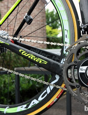 The chain stays are highly asymmetrical, differing in profile from driveside to non-driveside as well as the respective paths from bottom bracket to dropout