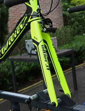 Pairing with the new Wilier Triestina Cento 1 SR is a stout-looking carbon fiber fork with a tapered steerer