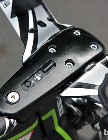 The aluminum stem on Argos-Shimano's Felt DA time trial bikes features a cutout for the Shimano Dura-Ace Di2 control box