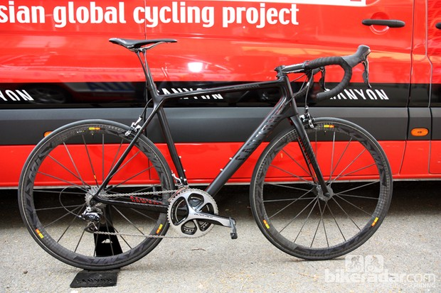 Canyon previewed their overhauled Ultimate CF SLX flagship prior to the start of stage 1 of this year's Tour de France. Claimed improvements include more stiffness, less weight and increased comfort, plus revised geometry that closely mimics that of the latest Ultimate AL range