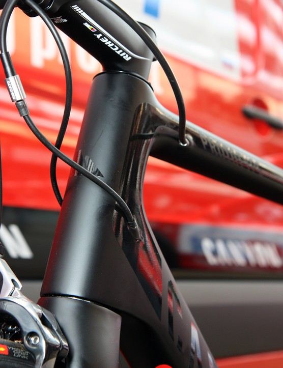 Canyon say the new Ultimate CF SLX will come in mechanical or electronic-specific versions instead of the single interchangeable setup currently gaining favor