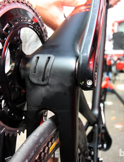 The new 86mm-wide bottom bracket allows for a wider down tube plus stouter chain stays than before. Canyon say the new bike is