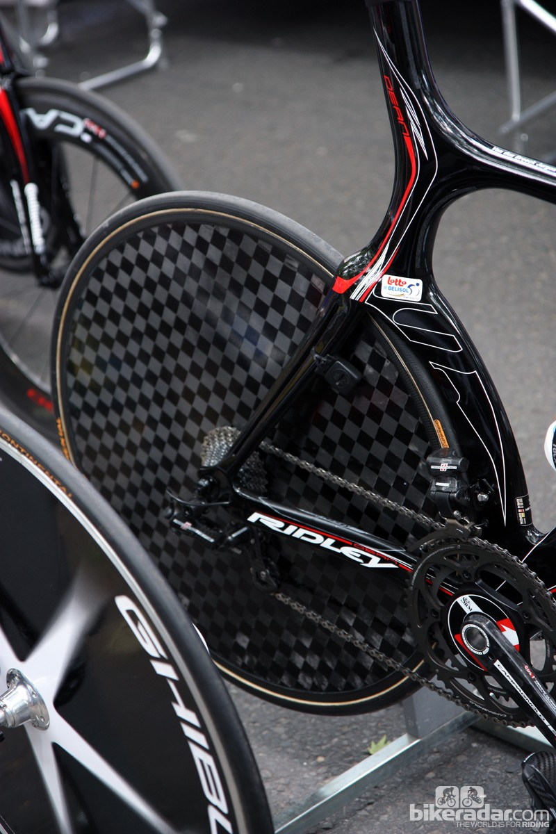 Lotto-Belisol captain Jurgen van den Broeck used this unlabeled carbon disc wheel during the prologue. We were told it's a new Campagnolo prototype and, based on the UCI's recent letter, it should have been approved by the governing body beforehand. But if it wasn't and he won, would he have been disqualified? And from just that stage or the whole Tour?