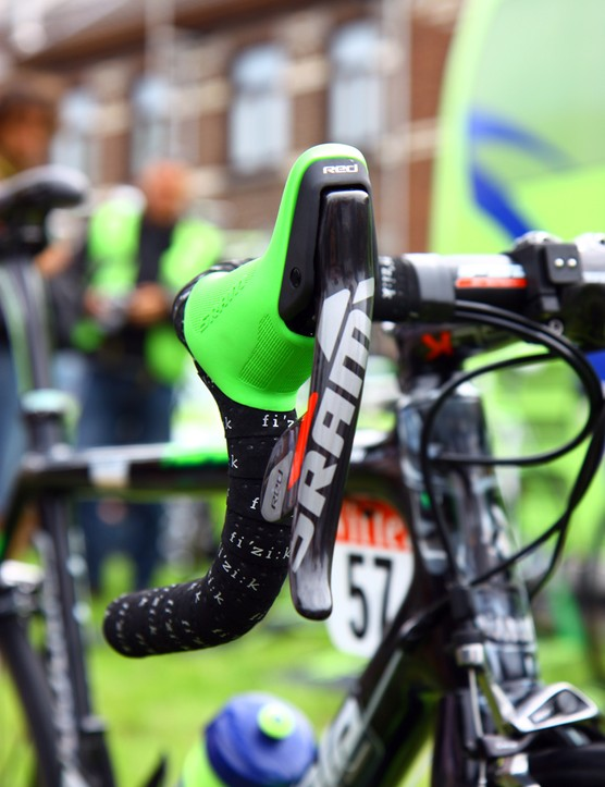New SRAM Red DoubleTap levers are covered with team-edition neon green hoods on Peter Sagan's (Liquigas-Cannondale) special Cannondale SuperSix Evo Hi-Mod