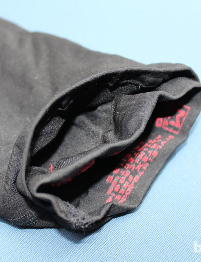 A double layer of compression fabric acts as a pocket for the ice