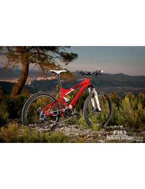 The Mondraker Tracker R is an entry-level full susser priced at £1,499