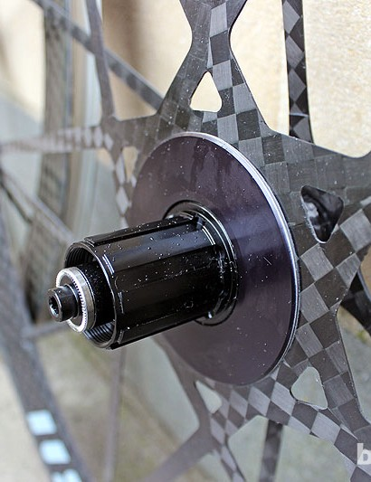 The freehub on the Mad Fiber clincher road wheelset is interchangeable to be compatible with Shimano, SRAM and Campagnolo cassettes