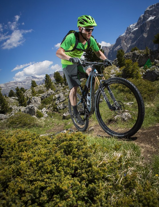 The 29er version of the Genius, the 900, in action on the trail